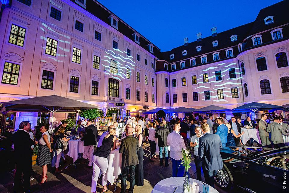 INTO THE BLUE – Das Sommerfest von Cadillac, Kempinski Dresden & SCHÖNE-REISEN