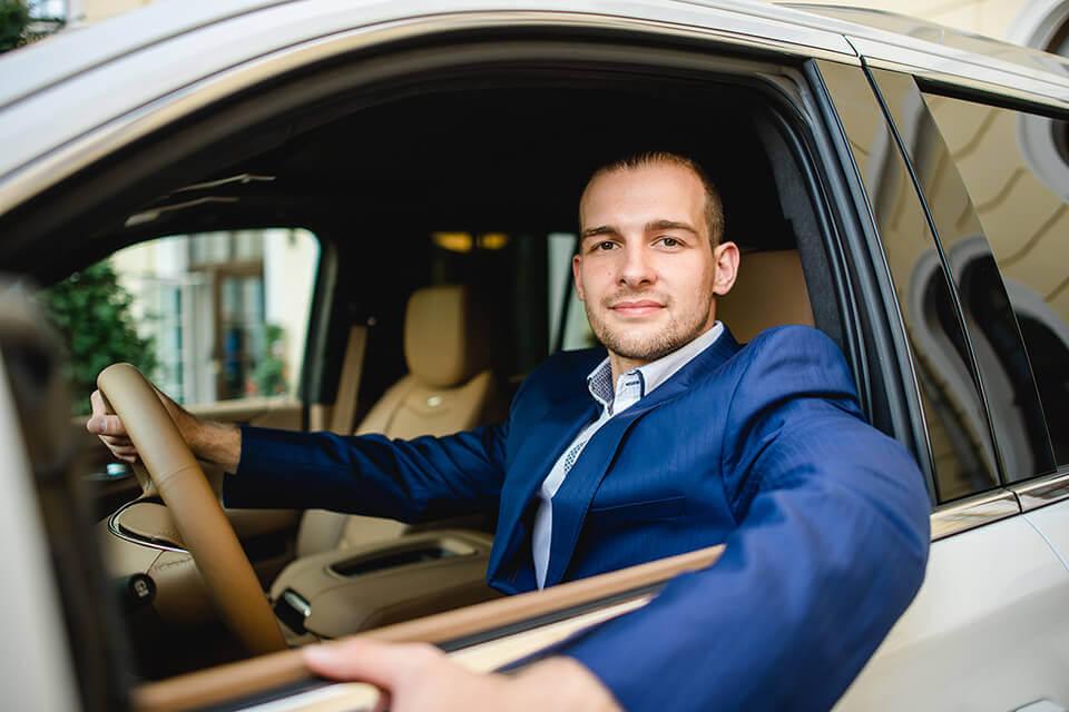 Kooperation mit Eric Stehfest, Fahrzeugübergabe
