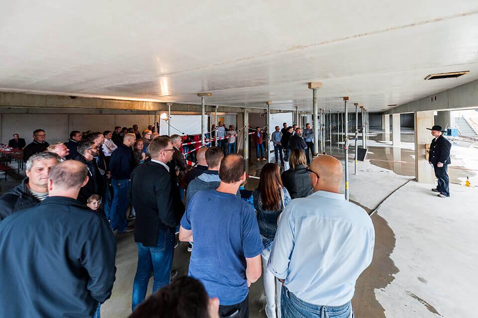 Richtspruch – Feierlicher Augenblick beim Richtfest im neuen Autohaus Kesselsdorf