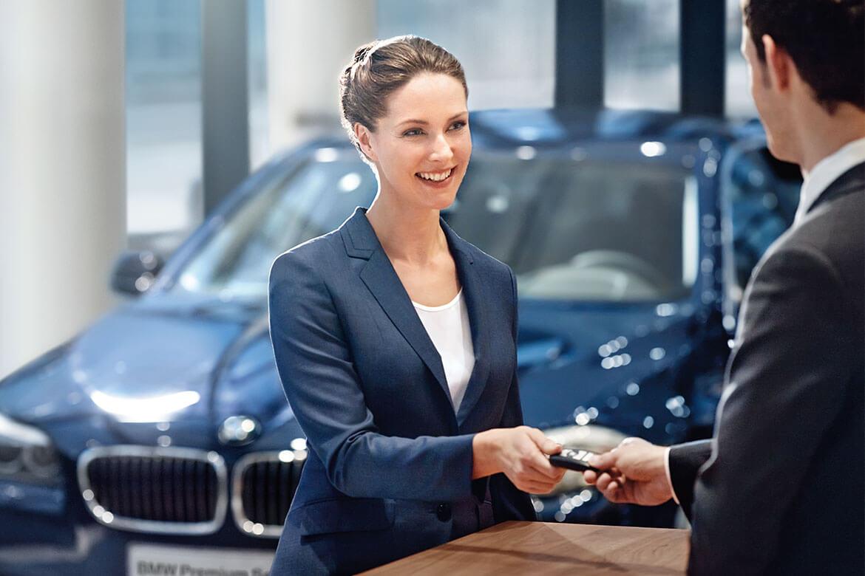Automobil-Verkäufer (m/w) an unseren Standorten Freiberg, Senftenberg und Bischofswerda - BMW