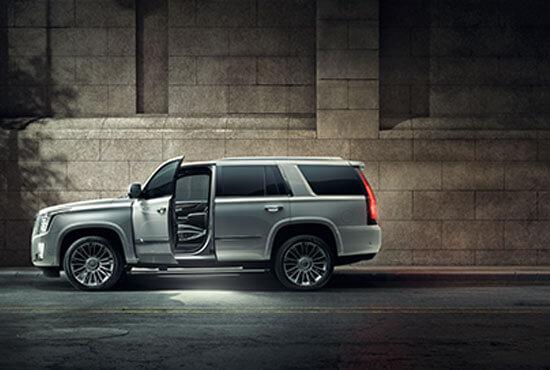 Cadillac V8-Experience Roadshow
